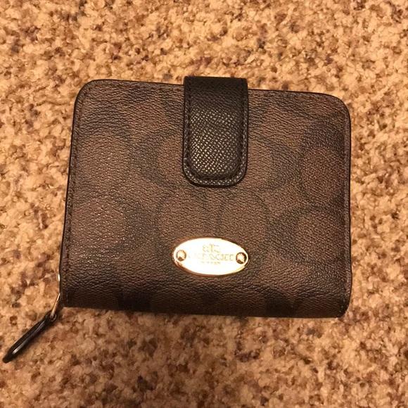 52587974f6 Coach Bags | Medium Zip Wallet | Poshmark